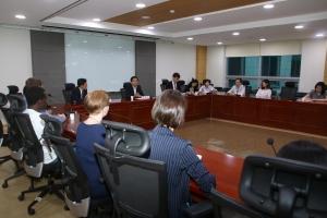 핵비확산연구교육센터(NEREC) 장학생14개국 28명, 심재철 의원과 간담회